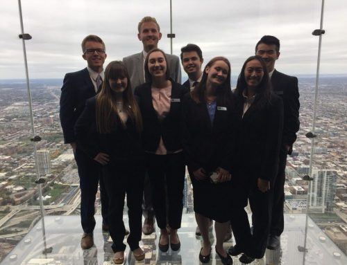 Freshman Business Scholars Visit Chicago